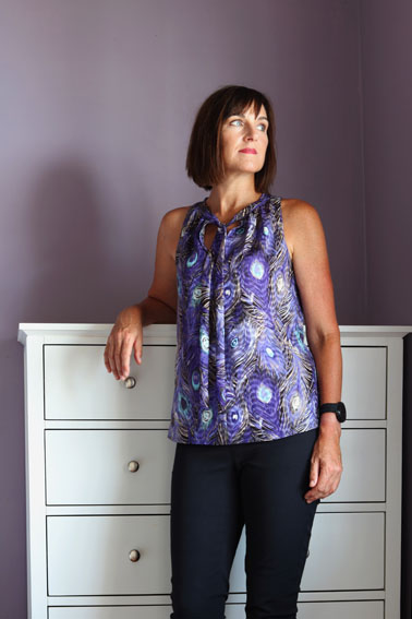 Ultra Violet Top using Invisible Binding Tutorial - Pattern Scissors Cloth