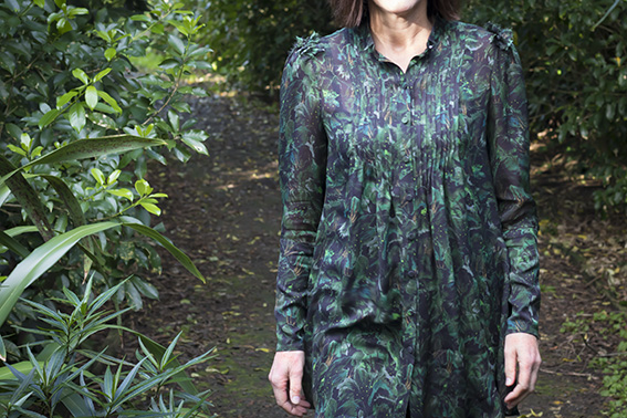 DP Studio Le 604 Shirt Pattern Scissors Cloth